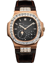 Patek Philippe Nautilus Mens Wristwatch Model: 5724R